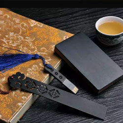 http://www.mllipin.com/如意纹黑檀红木书夹、U盘、名片夹商务办公礼品