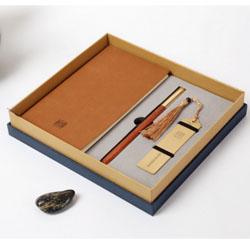 http://www.mllipin.com/中国风耕读三件套文化礼品外事礼品送外宾礼品公司 定做LOGO